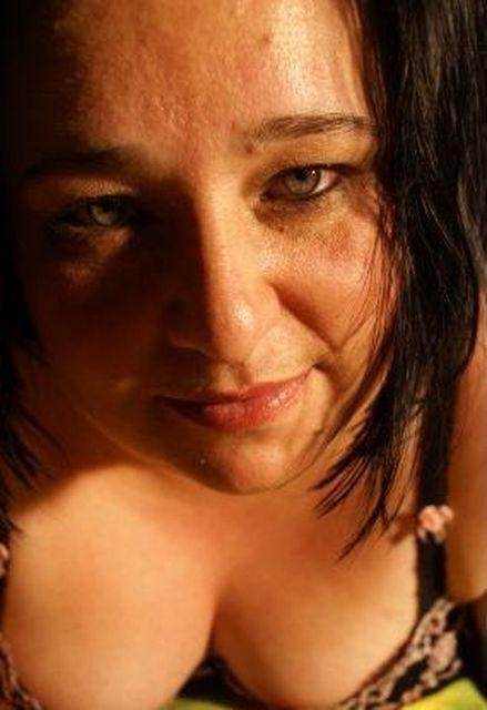 Sarah46 - Ich hatte es nicht immer leicht im Leben!