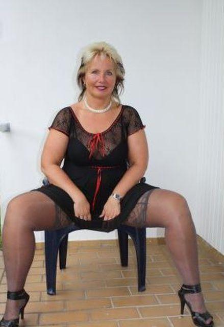 Weibsbild - Frau in den besten Jahren sucht Seitensprung!